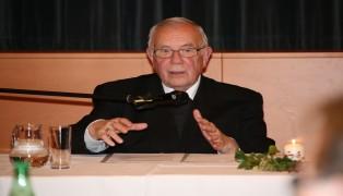 Altbischof Maximilian Aichern beim Treffen der Welser Pfarrgemeinder�te