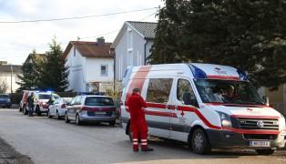Person rund sechs Meter abgest�rzt und schwer verletzt