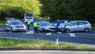 Schwerer Crash auf der Pyhrnpass Stra�e in Sattledt