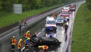 Fahrzeuglenker bei Verkehrsunfall auf der Kremstal Stra�e in Pasching verletzt