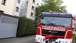 Vermeintlicher Gasgeruch in einem Mehrparteienwohnhaus in Wels-Lichtenegg