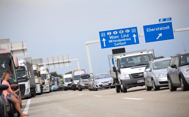 Schwerer Verkehrsunfall auf der Westautobahn bei Eberstalzell