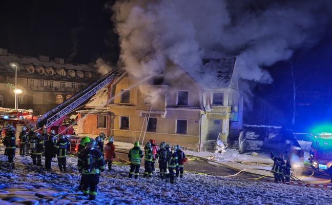 Ermittlungen nach Ursache für Brand in Bad Schallerbach
