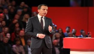 Bundeskanzler Christian Kern (SPÖ) entschuldigte sich bei Grundsatzrede und kündigte Veränderung an