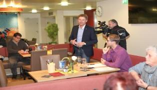 Internationales Medieninteresse an Sauna-Talkrunde mit Vizebürgermeister Gerhard Kroiß (FPÖ)