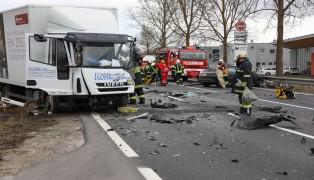 Tödlicher Frontalcrash zwischen PKW und LKW in Wallern an der Trattnach