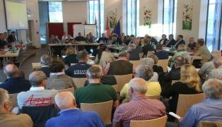 Schweinestall-Streit in Laakirchen: Baubescheid wegen formeller Mängel wieder hinfällig