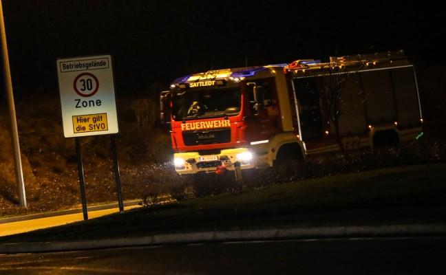 Brand eines LKW-Kühlaggregats auf Betriebsgelände in Sattledt