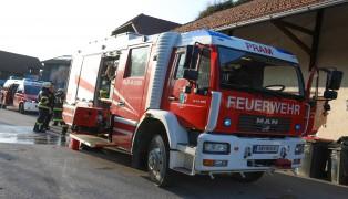 Feuerwehr bei Kellerbrand in Pram im Einsatz