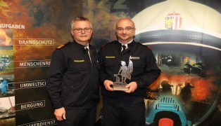 Werner Ferchhumer bei Vollversammlung der Feuerwehr Wels als Feuerwehrmann des Jahres ausgezeichnet