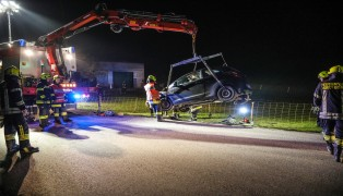 Nächtlicher Verkehrsunfall auf der Schiefer Straße in Micheldorf in Oberösterreich