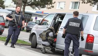 Großeinsatz von Polizei und Cobra in Wels-Lichtenegg