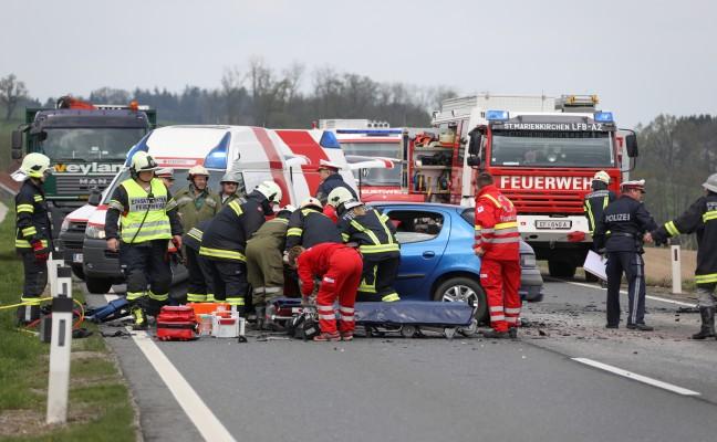 Frontalcrash auf der Wallerner Straße fordert zwei Schwerverletzte