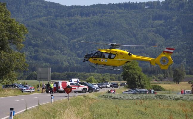 Schwerer Verkehrsunfall mit Motorrad auf der Scharnsteiner Straße in Pettenbach
