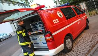 Mutprobe auf Spielplatz misslungen: Jugendlicher durch Feuerwehr von Klettergerüst gerettet