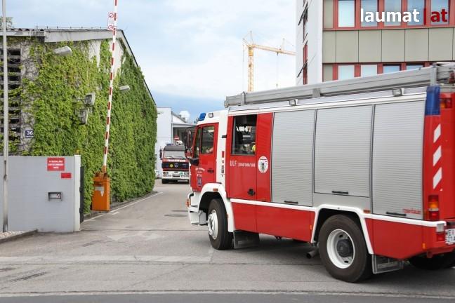 Rauchentwicklung bei Produktionsanlage eines Gewerbebetriebs in Wels