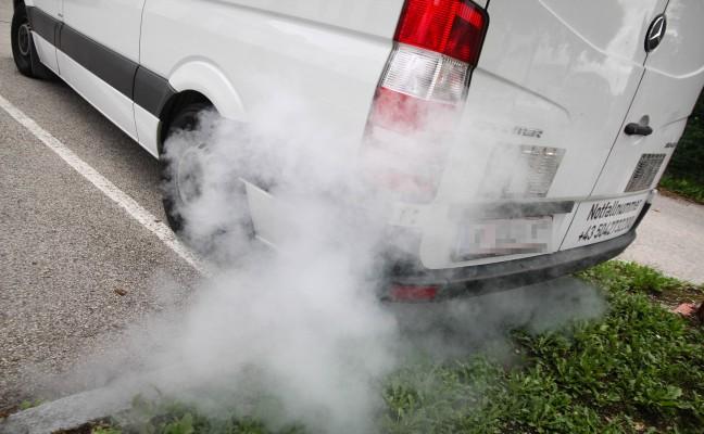Vermeintlicher Fahrzeugbrand in Wels-Neustadt sorgt für Einsatz der Feuerwehr