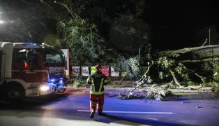 Gewitterfront sorgt für hunderte Sturmeinsätze