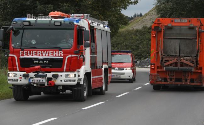 Arbeitsunfall bei Wartungsarbeiten in Wels-Schafwiesen fordert einen Verletzten