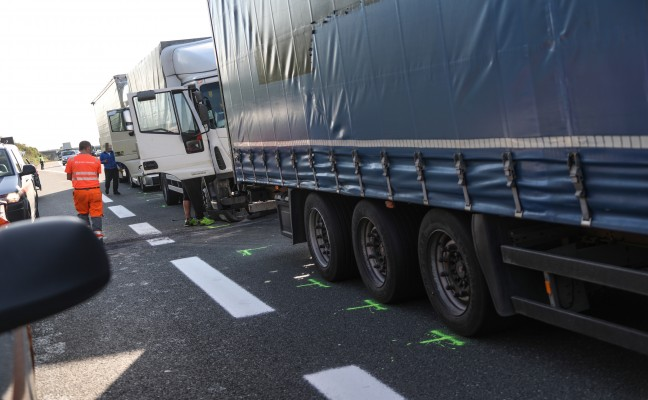 LKW-Crash nach Unfall auf der Innkreisautobahn bei Aistersheim