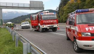 Schwerer Verkehrsunfall auf der Pyhrnautobahn bei Spital am Pyhrn fordert zwei Tote