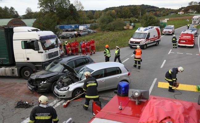 Kreuzungscrash auf der Innviertler Straße in Wallern an der Trattnach endet mit zwei Verletzten