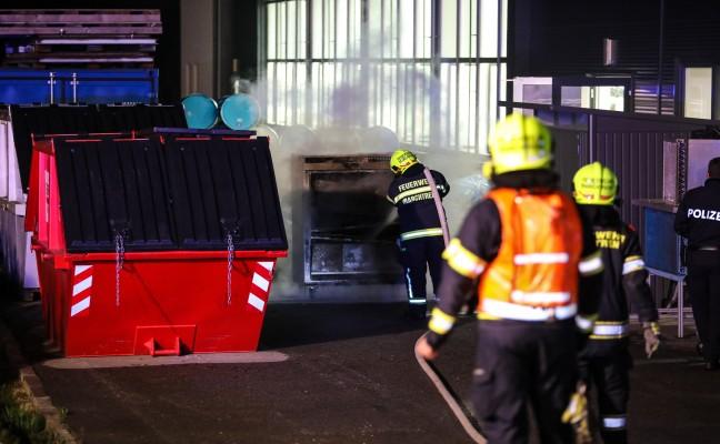 Drei Feuerwehren bei Brand in einem Gewerbebetrieb in Holzhausen im Einsatz