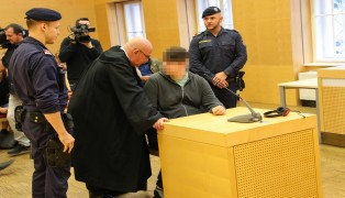 Prozess gegen 15-Jährigen nach geplantem Amoklauf an Schule in Ohlsdorf