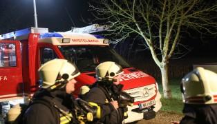 Brand einer Sauna bei Wohnhaus in Buchkirchen sorgt für Einsatz der Feuerwehr