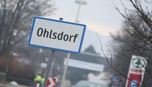 Person in einem Wohnhaus in Ohlsdorf in Kellerschacht gestürzt