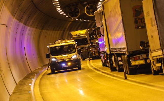 Drei Verletzte bei Verkehrsunfall auf der Pyhrnautobahn im Tunnel Kienberg
