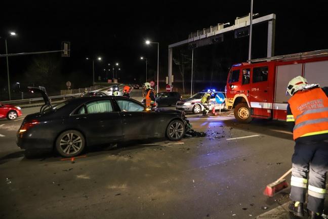 Drei Verletzte bei Verkehrsunfällen auf der Pyhrnpass Straße in Thalheim bei Wels