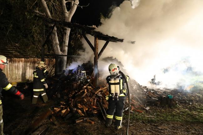 Drei Feuerwehren bei Brand einer Hütte in Schiedlberg im Einsatz