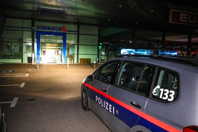 Bankomat aus Bankfiliale in Sattledt gestohlen