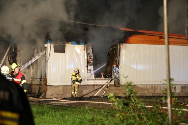 Erntehelfer-Unterkunft bei Spargelhof in Fraham in Flammen aufgegangen