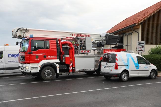 Einsatz der Feuerwehr nach CO2-Alarm im Kühlraum eines Restaurants in Sattledt