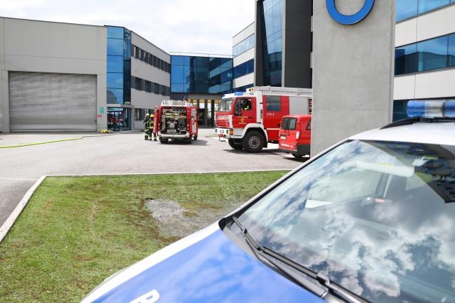 Brand im Dachbereich eines Unternehmens in Gunskirchen