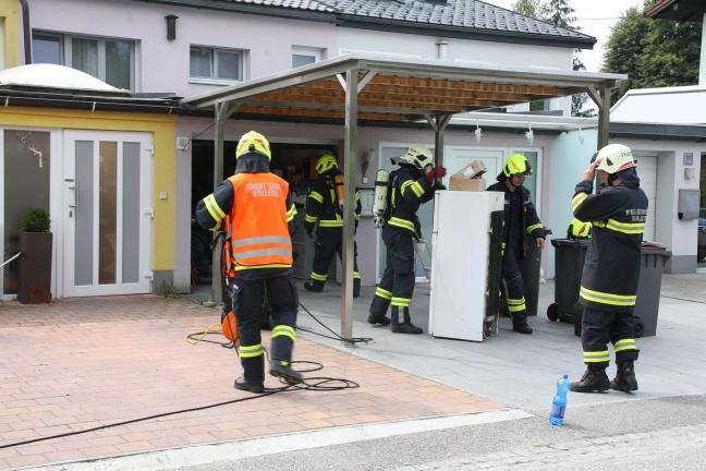 Treibstoffaustritt in Garage löste Einsatz der Feuerwehr in Wallern an der Trattnach aus