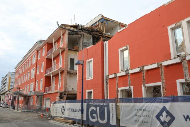 """Abriss des """"Greif"""" am Welser Kaiser-Josef-Platz sorgt für teils heftige Kritik"""