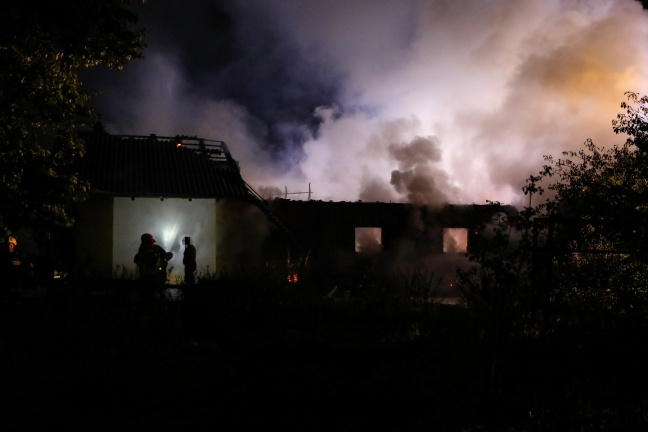 Großbrand auf Bauernhof in Laakirchen