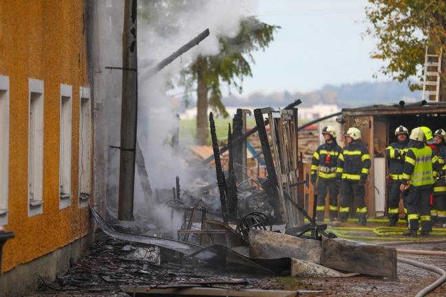 Großeinsatz bei Brand eines Hauses in Holzhausen