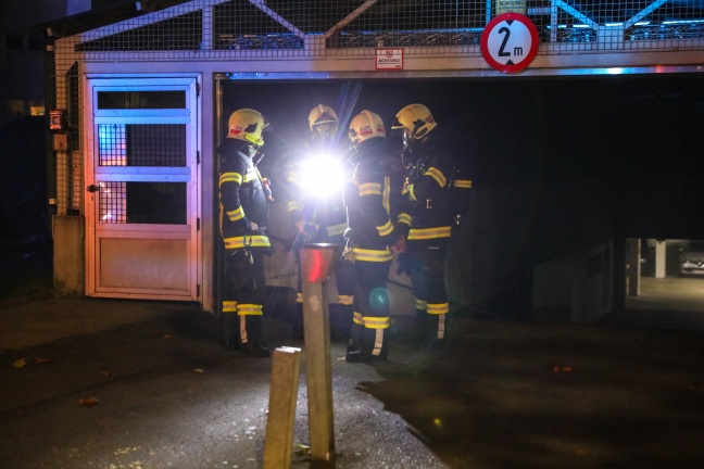 Brand in Tiefgarage einer Wohnanlage in Wels-Lichtenegg