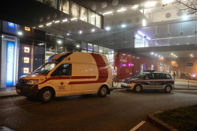 Nächtlicher Rettungs- und Polizeieinsatz im Welser Hauptbahnhof
