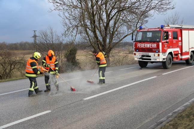 17 Kilometer lange Ölspur auf der Traunuferstraße