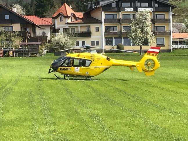 Notarzthubschrauber nach Tauchunfall in Weyregg am Attersee im Einsatz
