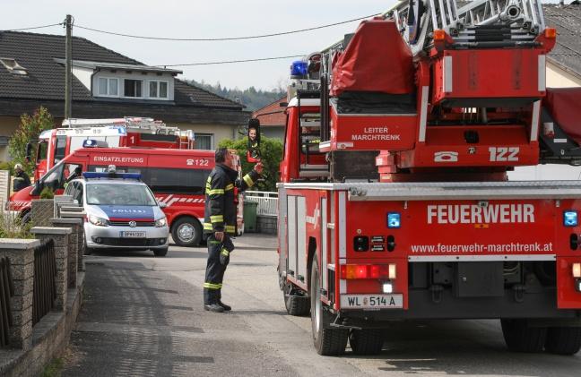 Drei Feuerwehren bei Brand in einer Küche in Pucking im Einsatz