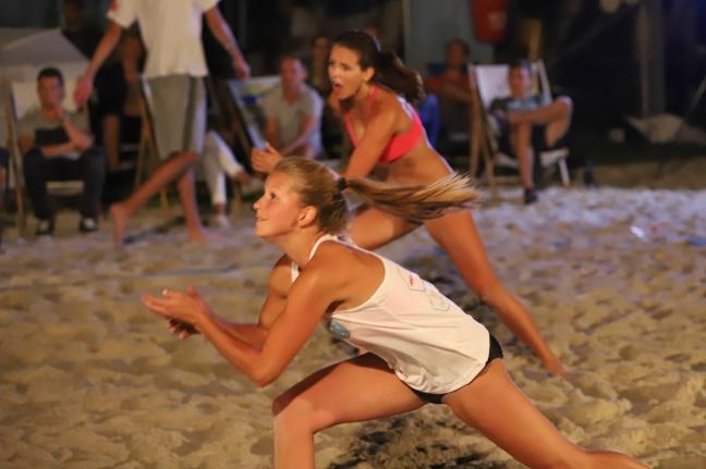 Auftakt zum zweitägigen Maxlhaider Beachcup in Wels-Schafwiesen