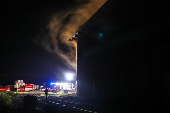 Einsatzübung der Feuerwehren bei Argar-Servicebetrieb in Thalheim bei Wels