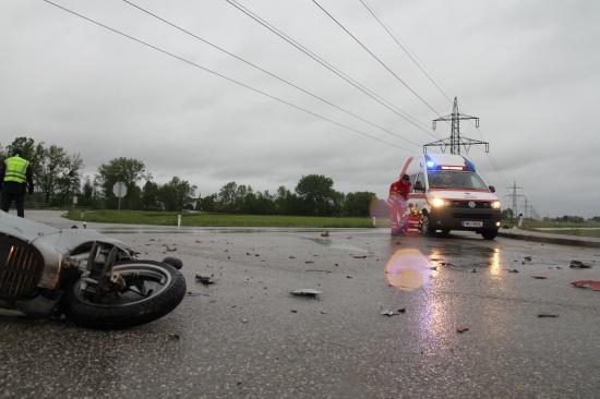 Mopedlenker bei Unfall in Gunskirchen schwer verletzt