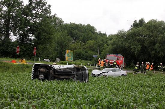 Verkehrsunfall im Kreuzungsbereich in Buchkirchen forderte vier Verletzte